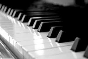 een piano heeft 88 toetsen, 52 witte en 36 zwarte